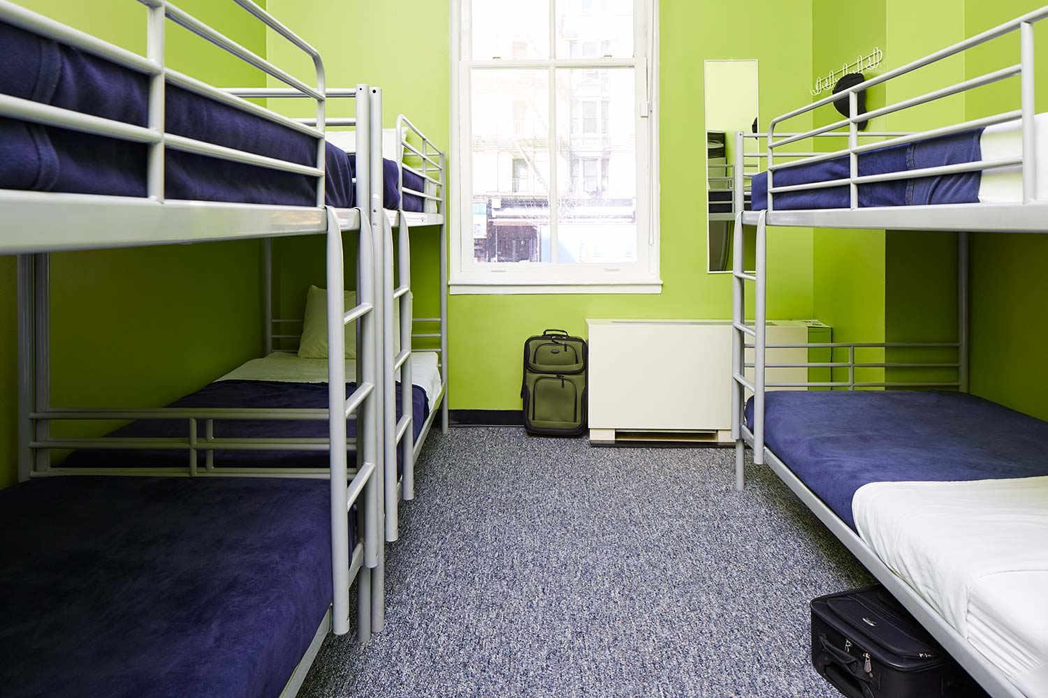 Dorm Room with 4 bunk beds