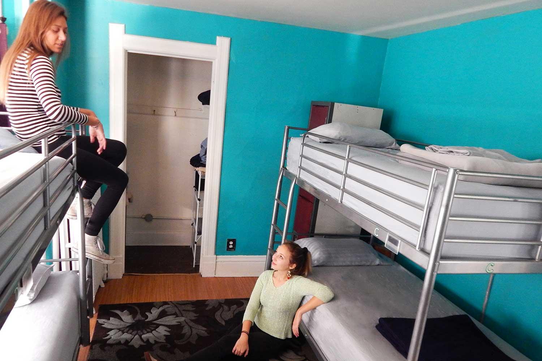 Ensuite dorm at HI Madison hostel.