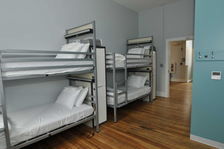 Bunk beds in HI Richmond Hostel dorm room.