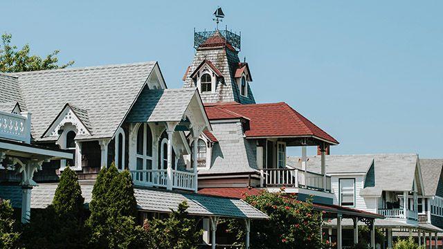 houses on Martha's Vineyard