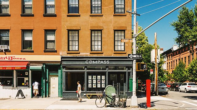 a street view in cobble hill, brooklyn